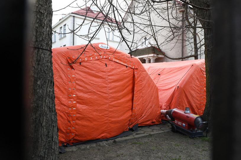 Wojewódzki Szpital Zakaźny w Warszawie /Piotr Molecki /East News