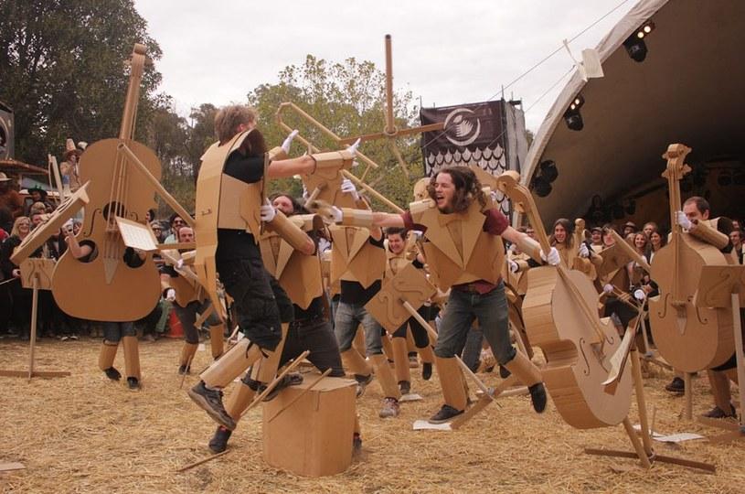 Wojna kartonowych instrumentów? Podczas Boxwars ograniczeniem jest tylko wyobraźnia... /Boxwars.com /materiały prasowe