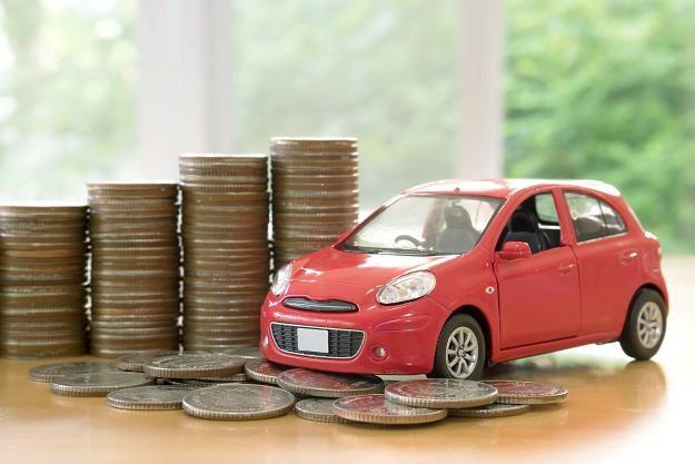 Wojna o pieniądze kierowców trwa /©123RF/PICSEL
