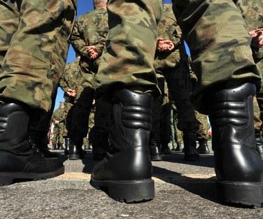 Wojsko bez mundurów. Boso, ale w ostrogach