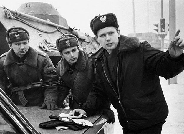 Wojsko na ulicach warszawy, grudzień 1981 r. /fot. Wojciech Laski /East News