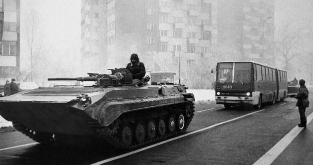 Wojsko na ulicach Warszawy, grudzień 1981 /Wojtek Laski /East News