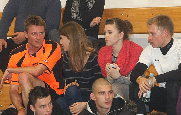 Wojtek Szuchnicki z nową dziewczyną, Agnieszką Szczurek i Kubą Wesołowskim, fot.Jarosław Wojtalewicz  /AKPA