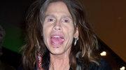 Wokalista Aerosmith spadł ze sceny