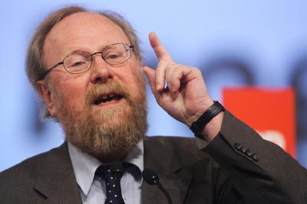 Wolfgang Thierse: Uchwała skraca i wypacza historię /AFP
