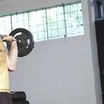 Wolne ciężary czy maszyny – rozwiewamy wątpliwości treningu siłowego
