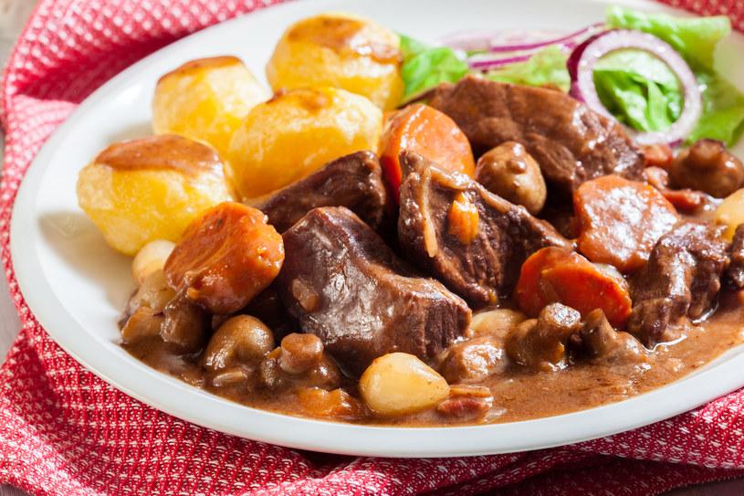 Wołowina z ziemniakami /123RF/PICSEL