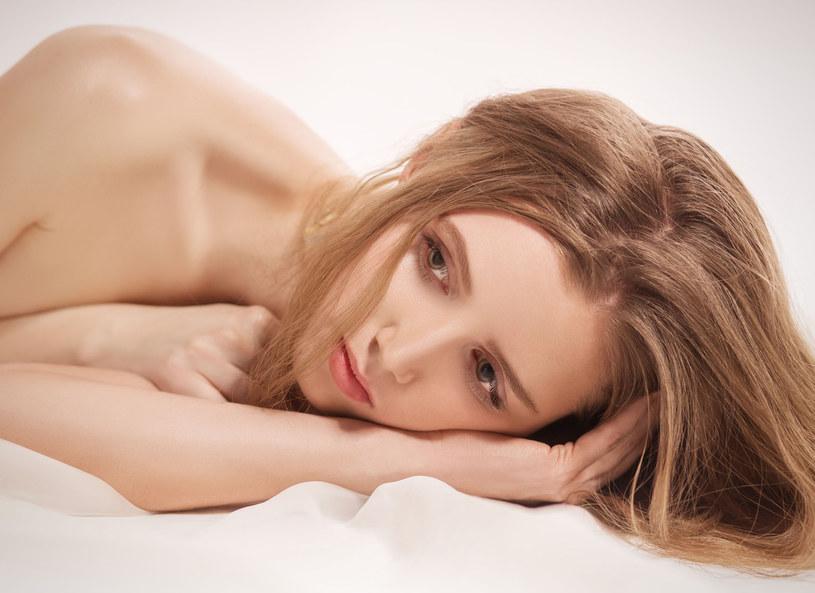 Woń skóry to bardzo cenna informacja /123RF/PICSEL