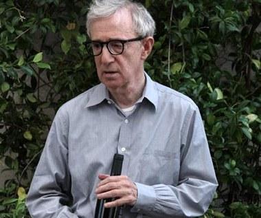 Woody Allen i arie pod prysznicem
