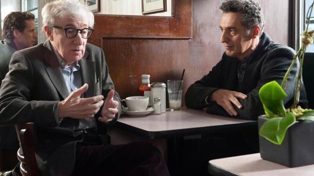 """Woody Allen i John Turturro w scenie z filmu """"Casanova po przejściach"""" /materiały dystrybutora"""