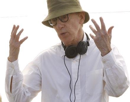 "Woody Allen na planie ""Vicky Cristina Barcelona"" /AFP"