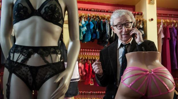"""Woody Allen w filmie """"Casanova po przejściach"""". /materiały dystrybutora"""