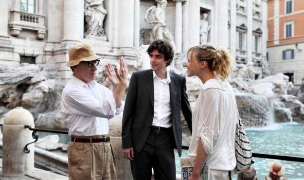 """Woody Allen z aktorami na planie filmu """"Zakochani w Rzymie"""" /materiały prasowe"""