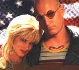 """Woody Harrelson i Juliette Lewis w filmie """"Urodzeni mordercy"""" /"""
