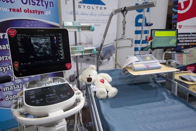WOŚP od 1993 roku zbiera środki, które umożliwiają zakup specjalistycznego sprzętu medycznego dla dzieci /Krystian Dobuszyński /Reporter