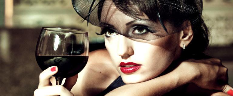 Wpływ wina na zdrowy wzrok /© Photogenica