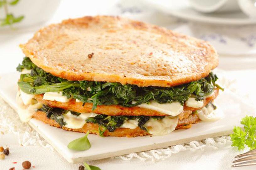 Wprowadź szpinak do swojego menu - jest bardzo zdrowy i dostarczy Ci mnóstwa witamin! /123RF/PICSEL