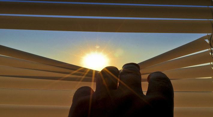 Wpuść słoneczko z nieba /© Photogenica