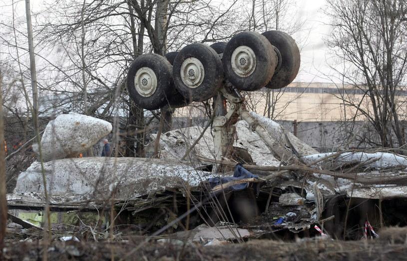Wrak polskiego samolotu, który rozbił się w Smoleńsku /PAP/SERGEI CHIRIKOV /