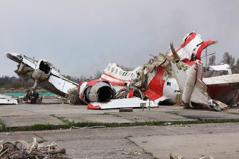 Wrak samolotu do tej pory znajduje się na płycie lotniska Smoleńsk Północny /SPUTNIK Russia /East News