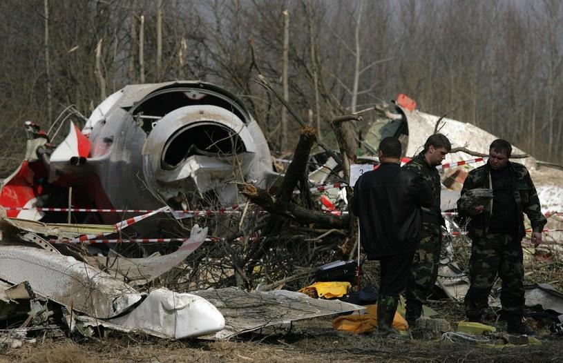 Wrak samolotu po katastrofie w kwietniu 2010 r. /Stefan Maszewski /East News