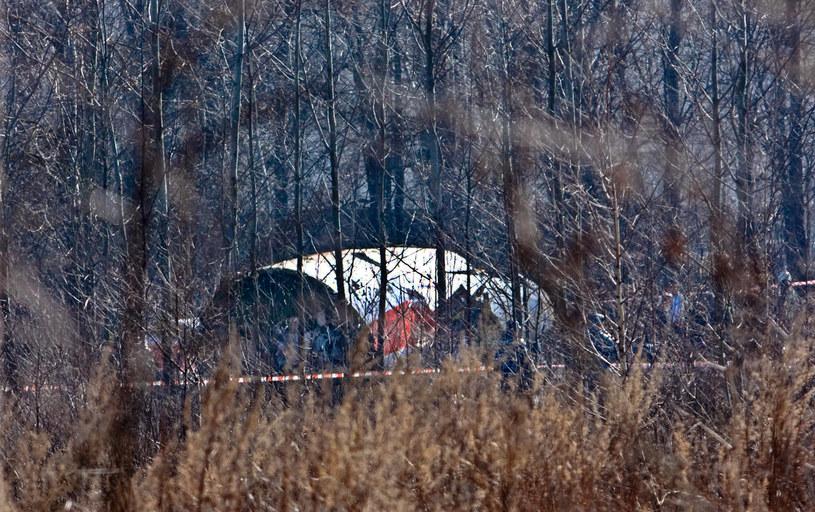 Wrak Tu-154M od ponad ośmiu lat znajduje się na płycie lotniska w Smoleńsku /MAXIM MALINOVSKY  /AFP