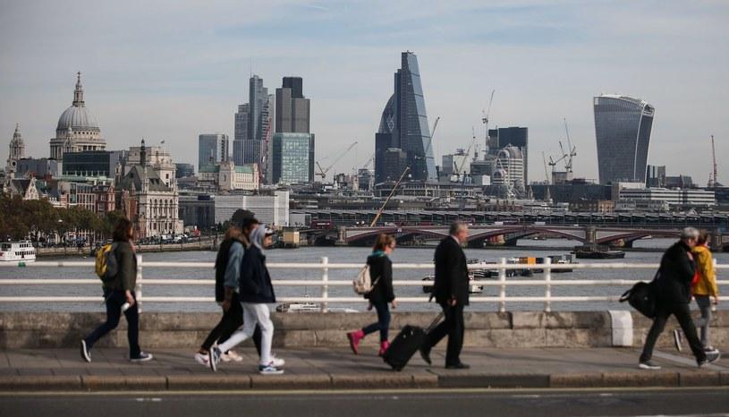 Wraz z końcem okresu przejściowego po brexicie będzie dużo zmian dla obywateli /AFP