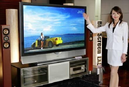 Wraz z nadejściem telewizji wysokiej rozdzielczości HDTV, cieplej zaczyna się mówić o kineskopach /AFP