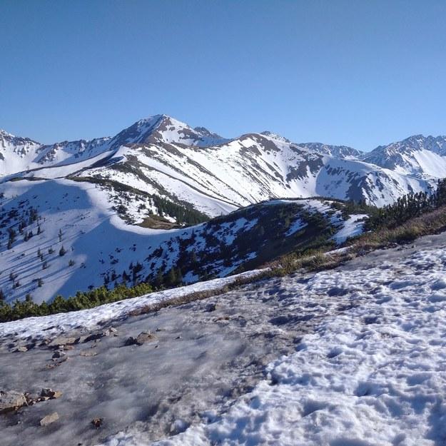 Wraz z ociepleniem w Tatrach zaczęła topnieć pokrywa śnieżna /Malwina Zaborowska /RMF FM