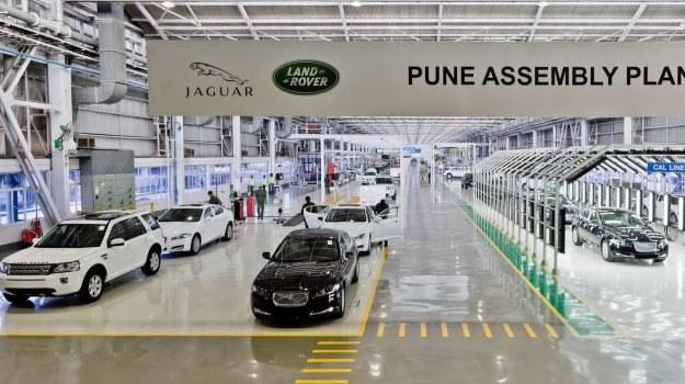 Wraz z rozpoczęciem montażu XF-a w Pune, Jaguar uruchamia sprzedaż tego modelu w Indiach. Początkowo będzie on tam oferowany wyłącznie z 2,2-litrowym turbodieslem. /Jaguar
