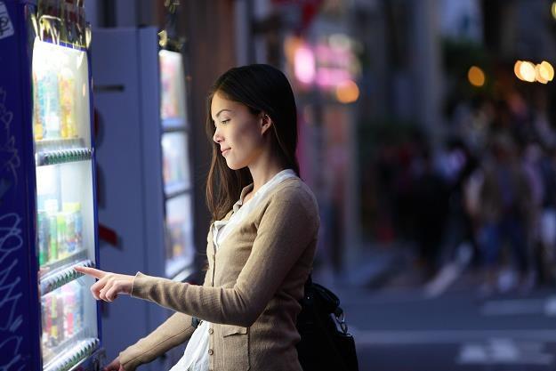 Wraz ze zmianami w szkole kłopoty będą mieli przedstawicieli branży vendingowej /©123RF/PICSEL