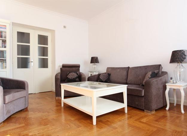 Wrażenie większej przestrzeni, uzyskamy malując pomieszczenie jednym jasnym kolorem /Picsel /123RF/PICSEL