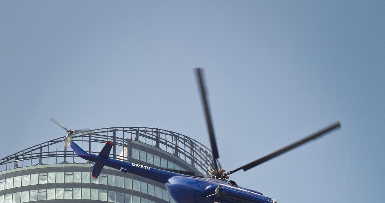 Wrocław: Nakładanie korony na Sky Tower