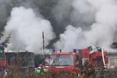 Wrocław: Pożar w fabryce zniczy