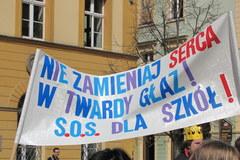 Wrocław: Protest przeciwko likwidacji szkół