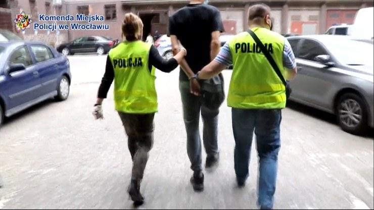 Wrocławscy policjanci zatrzymali sprawców /AFP