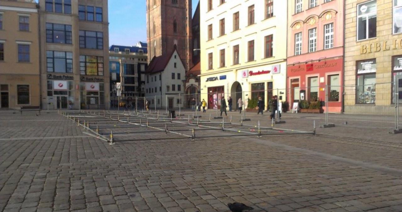 Wrocławski Rynek - już powstaje sylwestrowa estrada