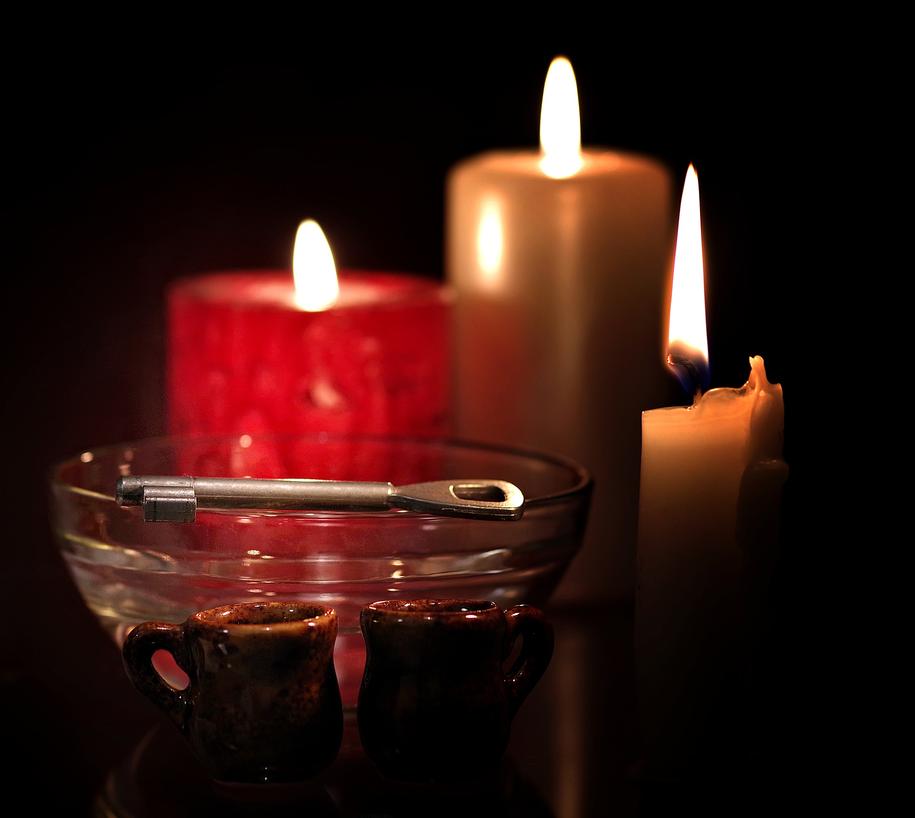 Wróżby andrzejkowe pomagają nam dowiedzieć się przede wszystkim, co czeka nas w miłości /Pixabay /