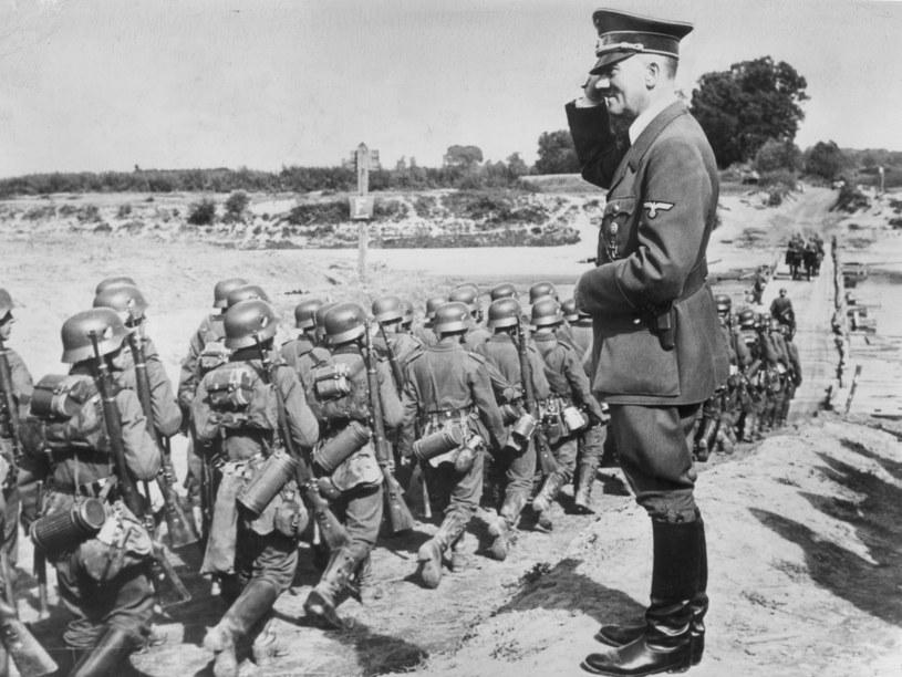 Wrzesień 1939.  Adolf Hitler i niemieckie wojsko. Fot. Hulton Archive/Getty Images /Getty Images