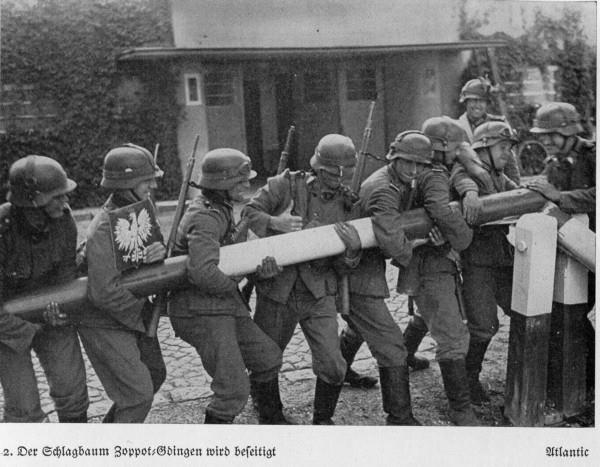"""Sopot - Gdynia, 1939 r. Łamanie polskiego szlabanu. Z książki """"Unser Kampf in Polen"""" wyd. w Monachium, w 1939 r."""