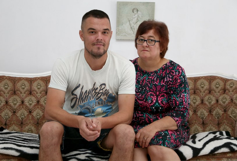 Wrzesień 2018. Dawid Janczyk z matką, Krystyną Janczyk /East News