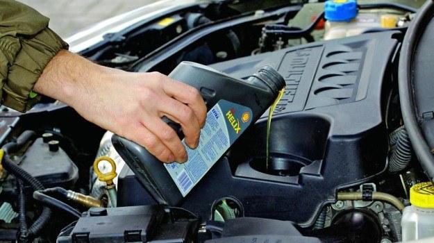 Wskazane jest, aby jak najdłużej użytkować silnik auta na oleju syntetycznym. /Motor