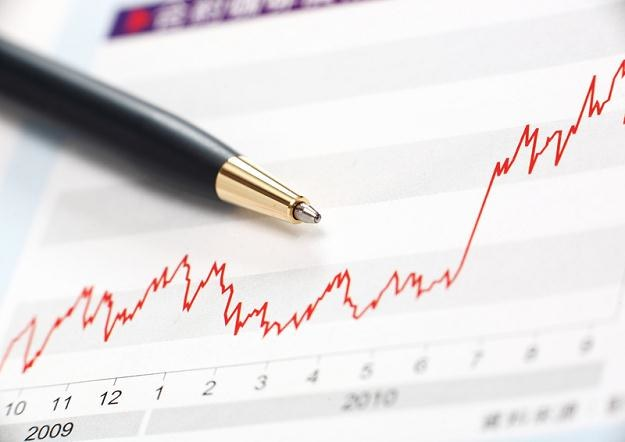 Wskaźnik cena do zysku na akcję należy do popularnych narzędzi /© Panthermedia