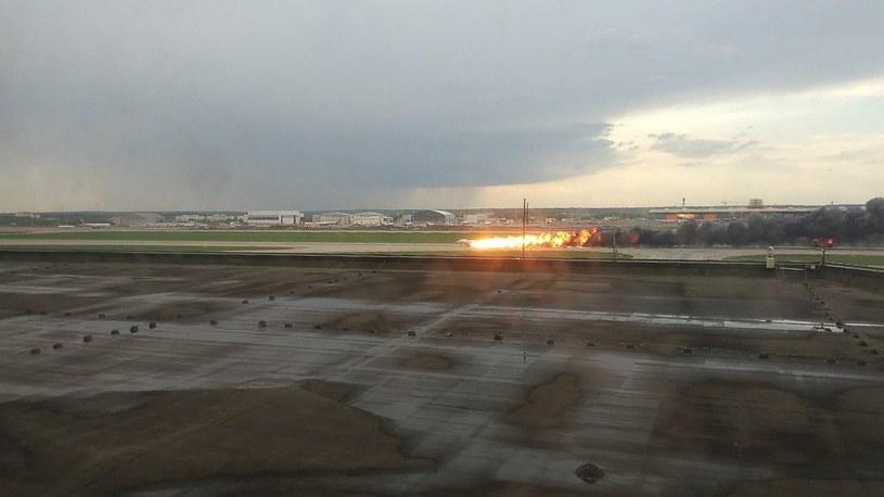 Wskutek awaryjnego lądowania i pożaru samolotu zginęło 41 osób /Sergei/Xinhua News/East News /East News