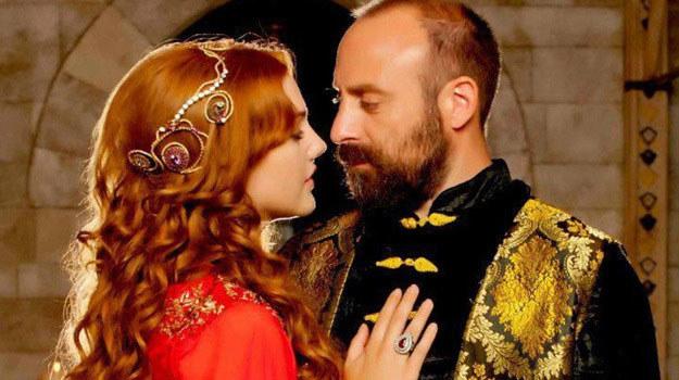 """""""Wspaniałe stulecie"""": To historia Sulejmana Wspaniałego (najdłużej panującego władcy Imperium Ottomańskiego) i jego uczucia do Roksolany /materiały prasowe"""