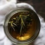 Wspaniałe właściwości herbaty z rozmarynu
