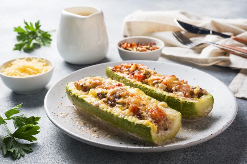Wspaniały pomysł na lekki, pożywny obiad /123RF/PICSEL