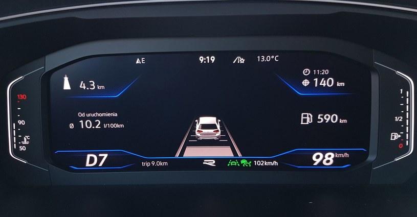 Współczesne samochody potrafią często o wiele więcej, niż będzie tego wymagać UE /INTERIA.PL
