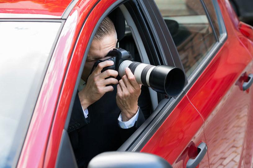 Współcześni detektywi mogą liczyć na zdecydowanie bardziej zaawansowaną technologię /123RF/PICSEL