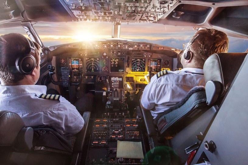 Współcześni piloci mają do dyspozycji wiele urządzeń nawigacyjnych, jednak historycznie jednym z ich najważniejszych narzędzi były…. zegarki /123RF/PICSEL